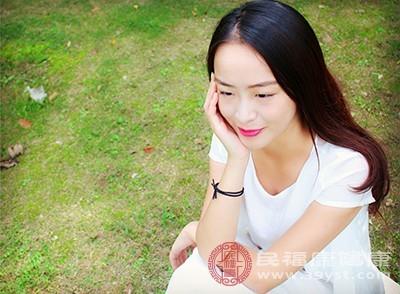 导致皮肤衰老的因素是什么呢