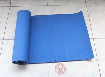 瑜伽垫材质的分类 切记瑜伽垫不能这样清洗