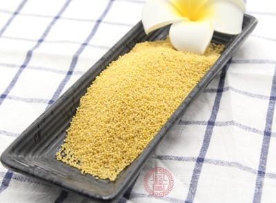 小米中含有一种色氨酸的成分