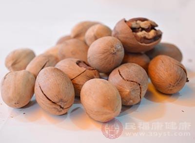食用杏仁、核桃和其他树生坚果