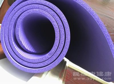 瑜伽垫的分类 瑜伽垫这样保养才好