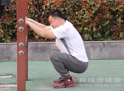 深蹲对男性的好处有哪些 深蹲对身体有5大好处