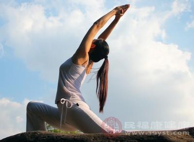 简单的减肥瑜伽动作 减肥瑜伽好处多多