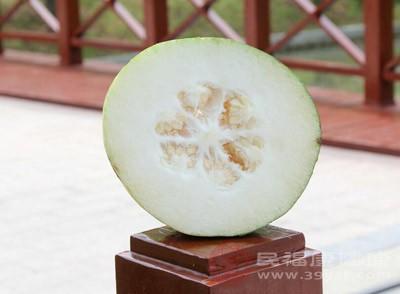 冬瓜有清热解毒、利尿消肿、清胃降火之功效
