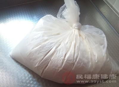 查出40余袋非法食品添加剂