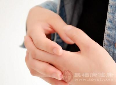 颈椎病引起的手麻怎么治疗 颈椎病这样治疗