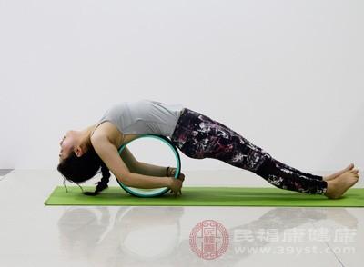 瑜伽基本入门动作 练瑜伽具有五大坏处
