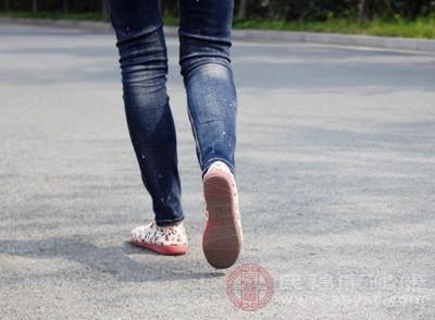 坚持散步同样能达到减肥的效果