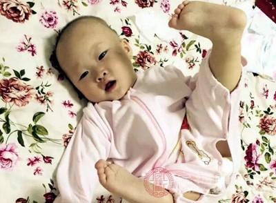 婴儿打嗝的原因 婴儿打嗝试试这种方法