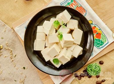 患者平时应该多吃一些豆制品,促进肌肉骨骼关节代谢
