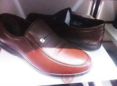 男士皮鞋如何选购 这些窍门赶快学起来