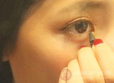 怎么画眼线 如何正确挑选眼线产品