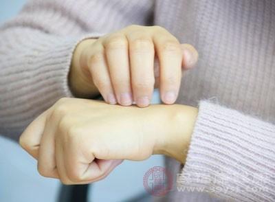 皮肤瘙痒的危害 这几大原因导致的皮肤瘙痒