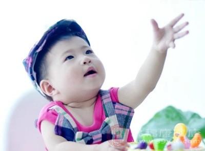 家长带6个月大宝宝打疫苗发现过期4个月