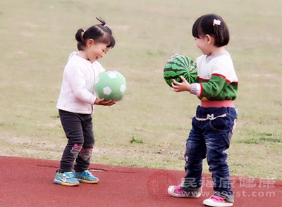 芜湖三所幼儿园接连曝光问题食品绝非偶然