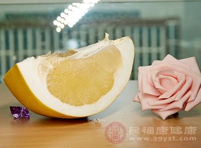 吃柚子有什么禁忌 和这些东西别一起吃