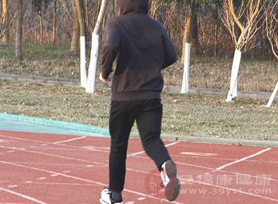 跑步能祛痘吗 经常跑步好处多