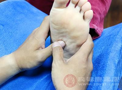 脚距离心脏有一定的距离,脚部的血液循环是全身血液循环过程中难的部分