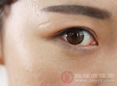 近视的原因 用眼太多可能会导致这个病