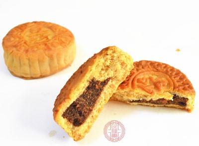 荆州:月饼制作环境简陋原料无进货渠道