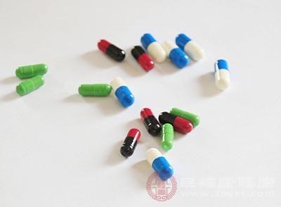 方案应个体化,药物治疗主要包括非甾类抗炎药
