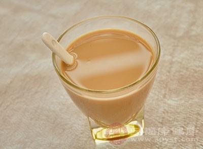 """奶茶真的正在""""毁掉""""年轻人健康吗 言过其实"""