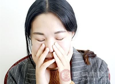 打完瘦臉針之后會泛起有腫脹發燒的癥狀