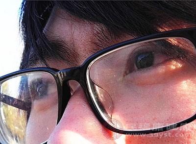 急性闭角型青光眼的症状是急性的