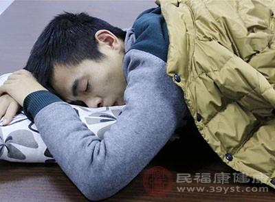 睡眠不足的危害 这些食物帮你睡眠