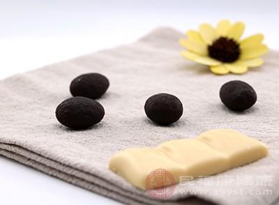 巧克力会引起下食道括约肌的放松