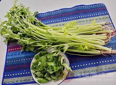 芹菜有哪些作用 常吃这种菜辅助降血压