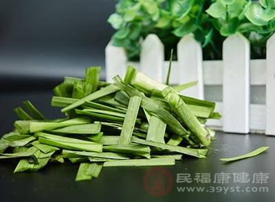 韭菜所含的硫化合物有一定杀菌消炎的作用