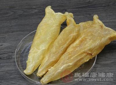 鱼胶富含多种维生素和微量元素