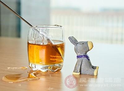 喝蜂蜜水的好处 蜂蜜水的四大禁忌你知道吗