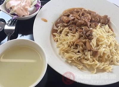 中国有句古话叫:早餐吃得好
