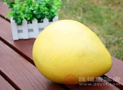 柚子皮放在床头能防蚊虫叮咬