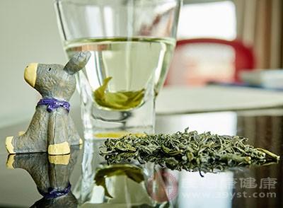 诱发疾病是隔夜茶不能喝的主要原因