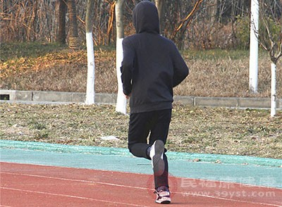 美国心脏病学会 举重比跑步更利于心血管健康