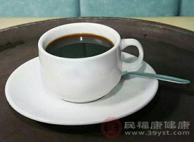 过量的咖啡因反而会让你的身体吃不消