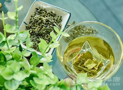 绿茶的功效 多喝这种茶口腔更健康
