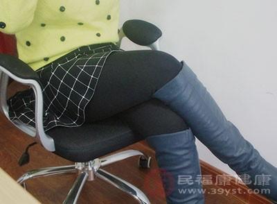 久坐不动的生活方式会带来健康隐患