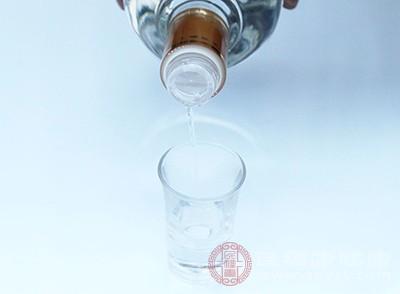 茅台酒深得中国人的喜爱