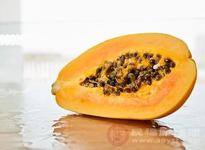 木瓜中含有大量的维生素C