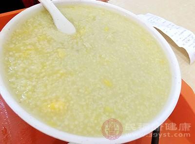 小米粥的做法和功效