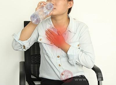 患有心肌缺血之后出现胸闷气短是比较常见的一种症状