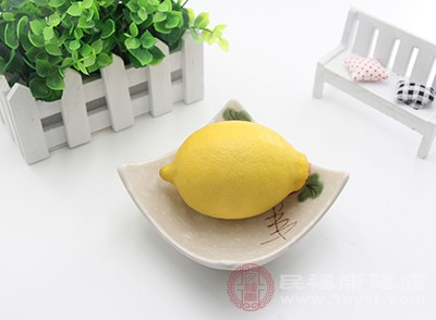 柠檬中的维生素c含量是非常丰富的