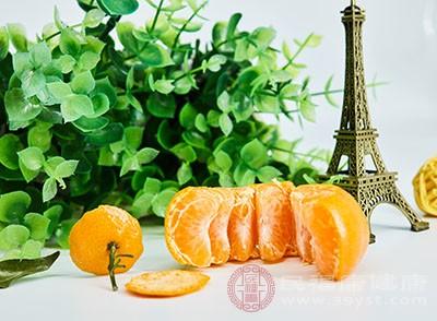 好比说橘子、葡萄等等酸性的水果湖