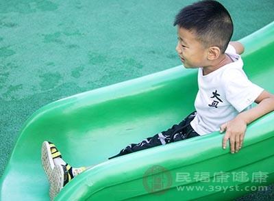 自闭症儿童不会和小朋友进行交往