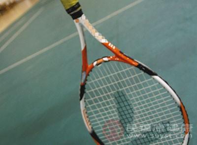 打网球的好处 发球的规则介绍给你