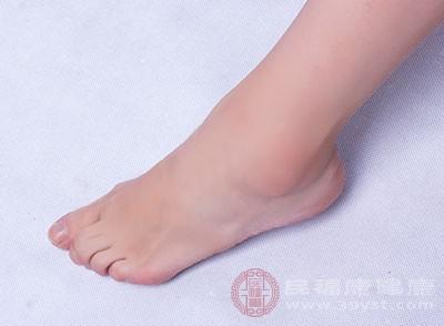 不良的生活卫生习惯是造成脚臭的重要原因